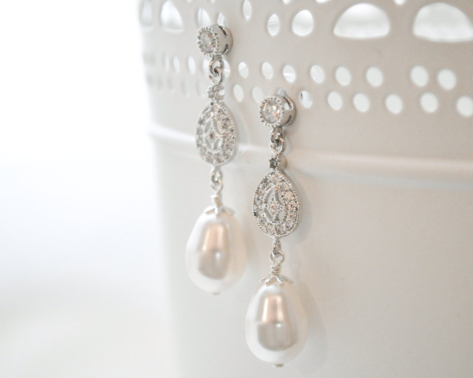 Carolina_Silver Bridal Earrings with Crystals and Pearls