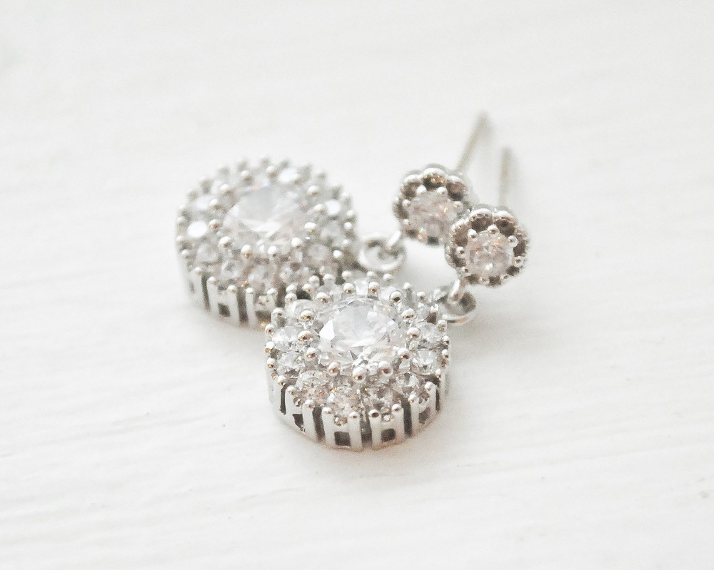 Laurianne_Delicate Silver Drop Bridal Crystal Earrings