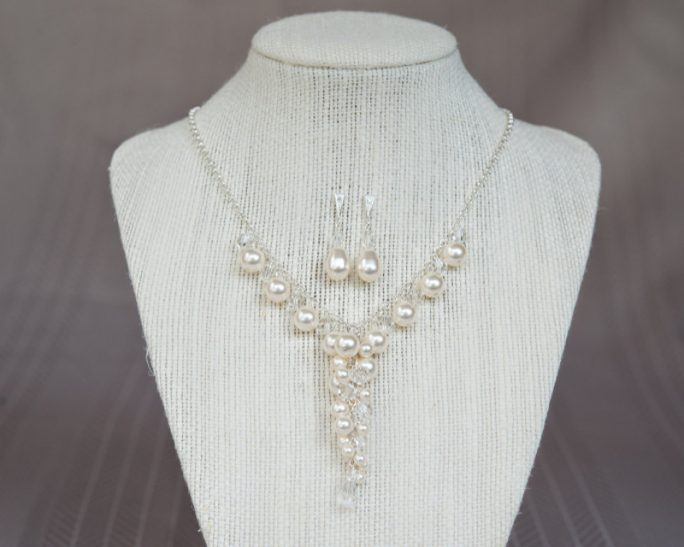Victoria_Regal Bridal Necklace with Pearl and Crystal Cluster