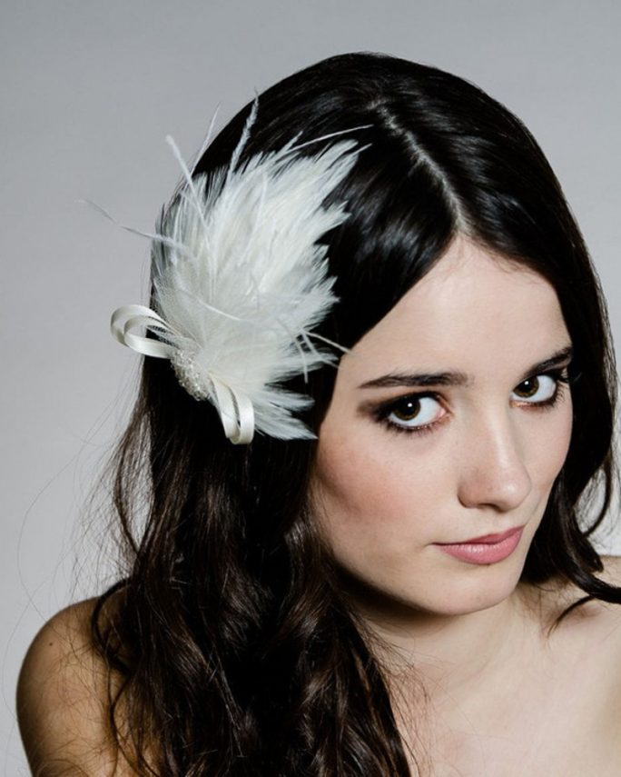 Whimsical_Bridal Hair Accessory_Ivory Ostrich Feathers Fascinator