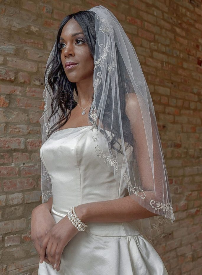 Bella_One tier Couture Hip Length Bridal Veil with Bead Embroidery Edge