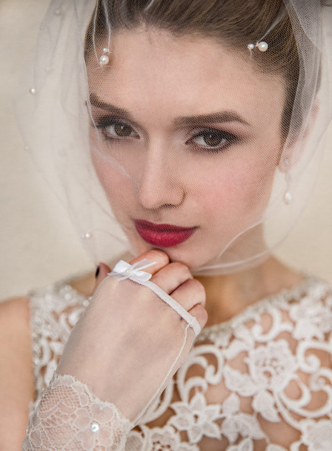 Rosie_One Tier Birdcage Blusher Bridal Veil with Pearls