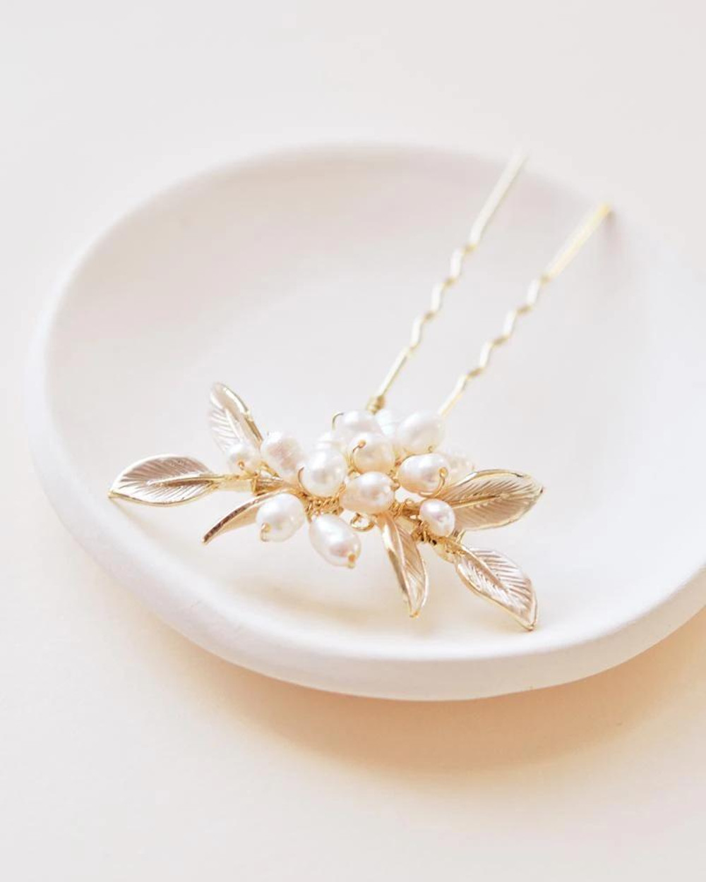 Briella_Set of Bridal Hair Pins with freshwater pearls