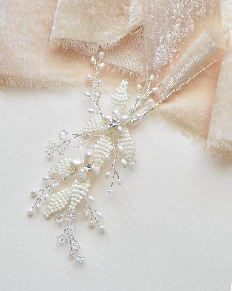 Marianna_elegant floral Bridal Hair Pin with pearls
