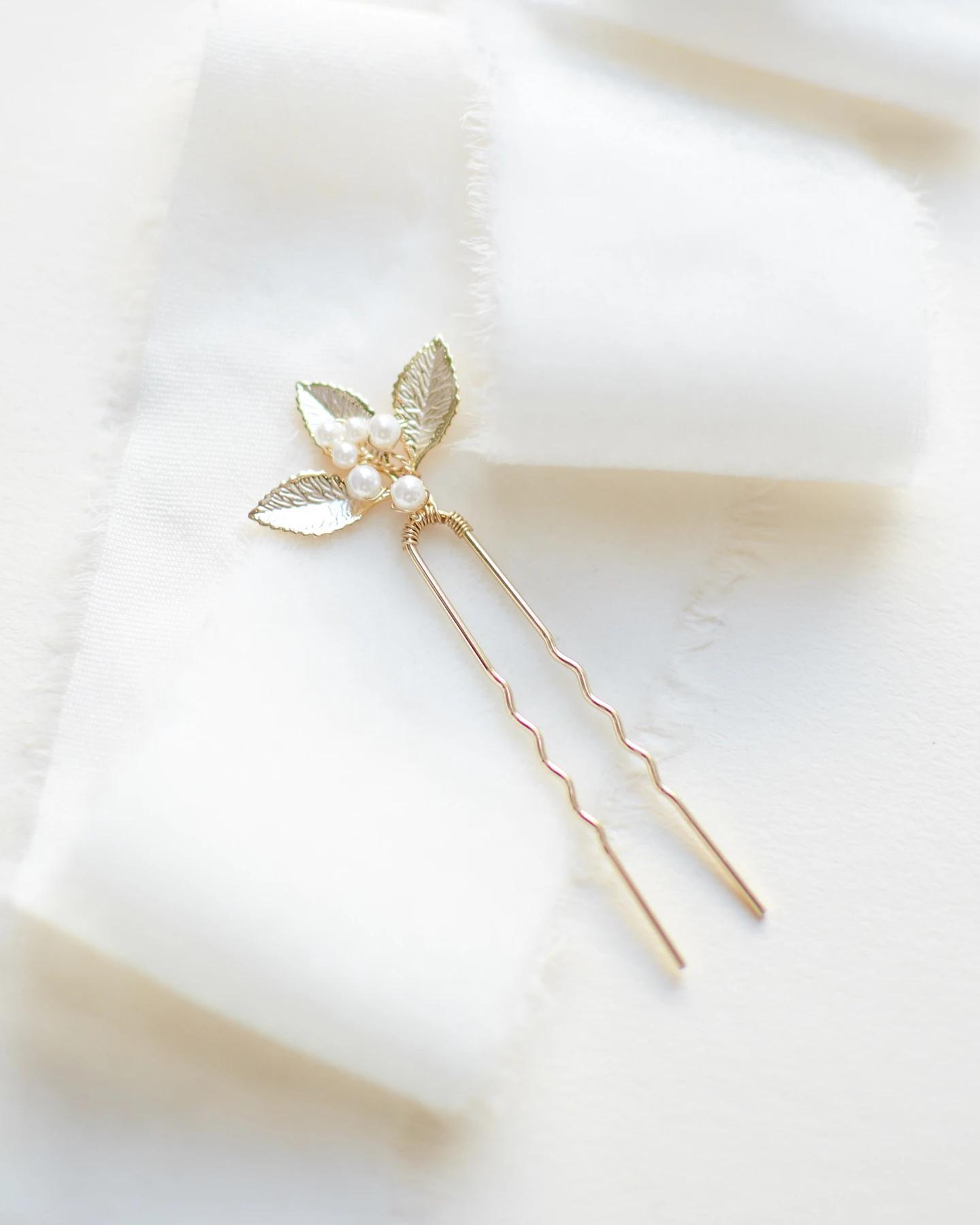 Nola_Set of 3 Bridal Crystal Hair Pins