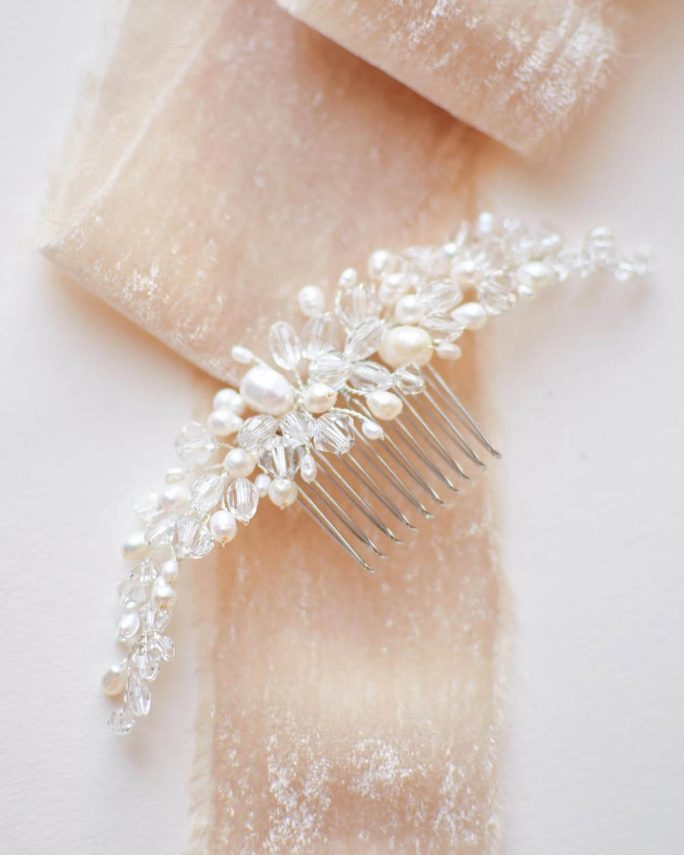 Freshwater pearl_Bridal wedding Comb with crystals and genuine pearls
