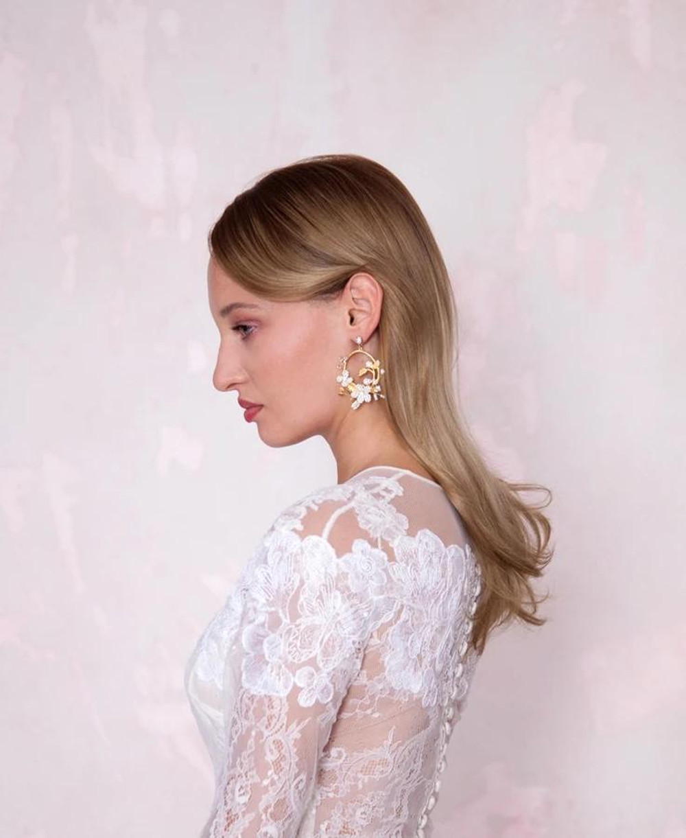Sara_white florals hoops pendant bridal earrings with freshwater pearls